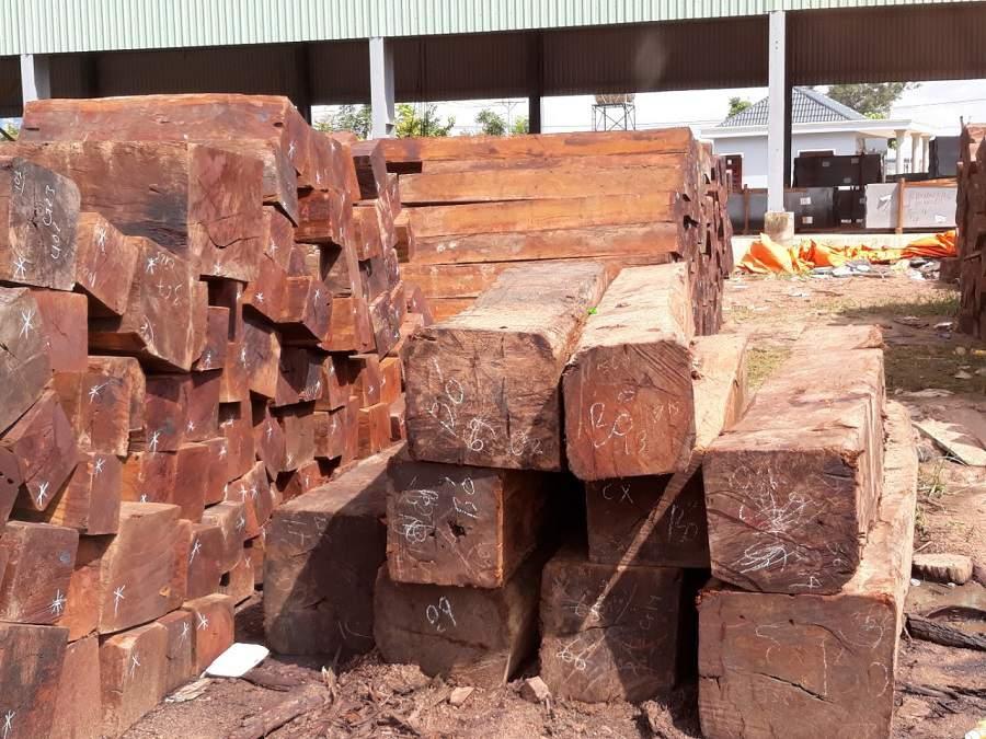 gỗ hương tạo nên những salon gỗ hương bền đẹp
