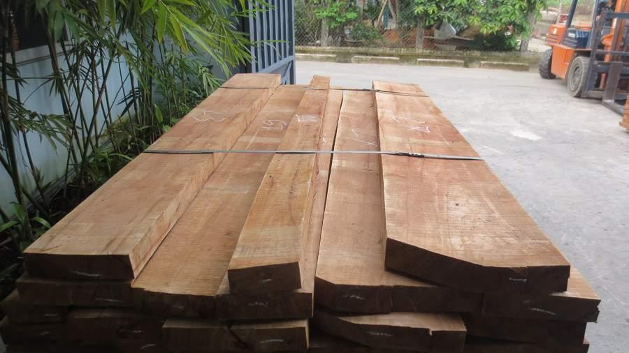 So sánh gỗ cao su và gỗ thông rất đơn giản