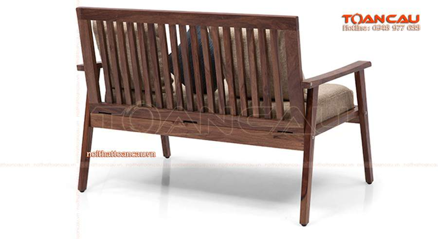 bàn ghế gỗ làm từ gỗ Óc Chó nhập khẩu tốt nhất, đảm bảo an toàn khi sử dụng.