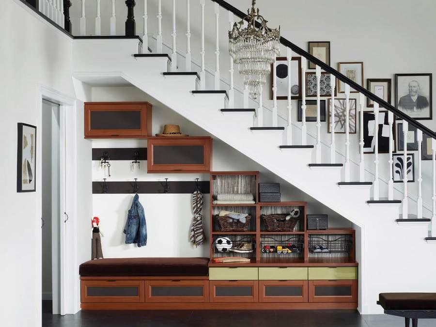 cầu thang ở phòng khách đẹp ưng ý nhất