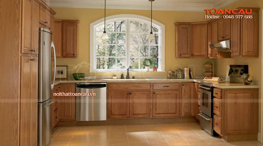 nên dùng tủ bếp nhựa hay gỗ?