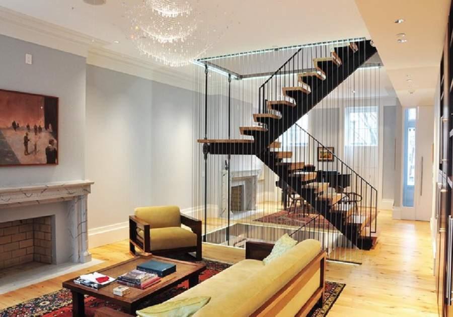 vách ngăn cầu thang và phòng khách đẹp
