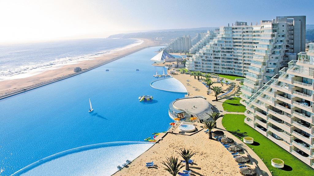 Bể bơi nhân tạo lớn nhất thế giới San Alfonso del Mar tại Chile