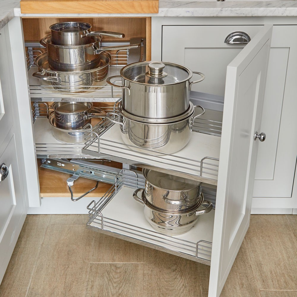 classic-kitchen-makeover-with-pale-grey-shaker-cabinets-and-carrara-marble-worktops4