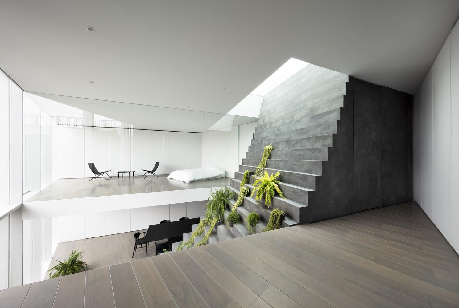 04-biophilic-stairway