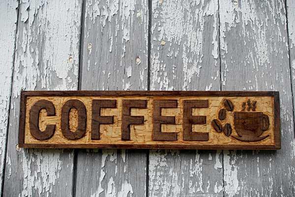luu-y-khi-thiet-ke-bien-hieu-cho-quan-cafe-sao-cho-dep-va-chat-luong 07