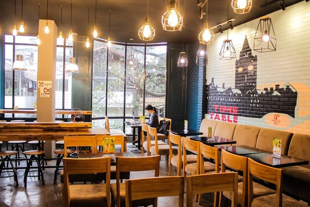 thiet-ke-quan-cafe-theo-phong-thuy-giup-quan-may-man-va-dong-khach 3