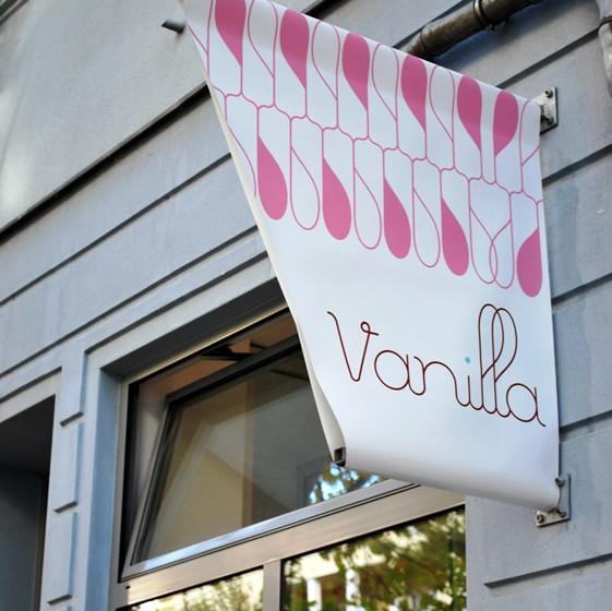tong-hop-12-thiet-ke-noi-that-quan-cafe-vanilla-1