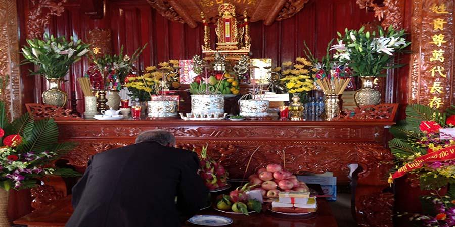 Ý nghĩa sâu sắc của tín ngưỡng thờ cúng tổ tiên của người Việt