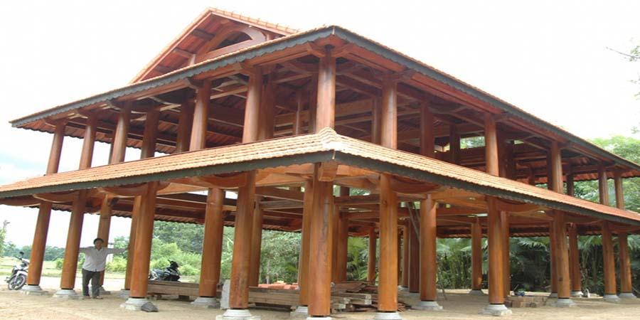 Nhà gỗ 2 tầng thiết kế hiện đại vẫn giữ được nét truyền thống
