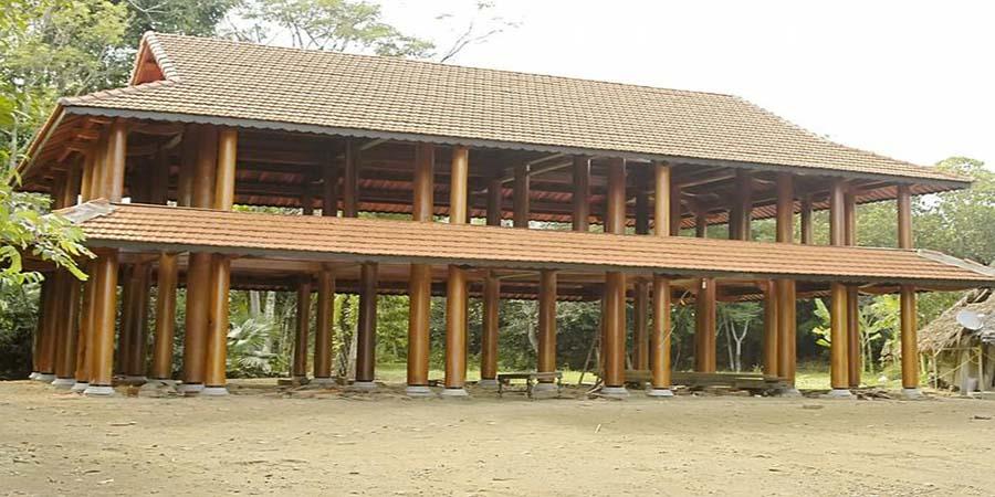 Kiến trúc nhà gỗ 2 tầng.