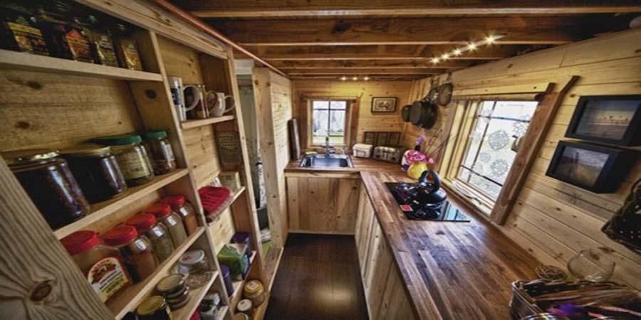 Thiết kế phòng bếp nhà gỗ thông.