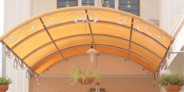 Mái che mưa trước hiên nhà nên làm hình vòm cung, tránh mũi nhọn