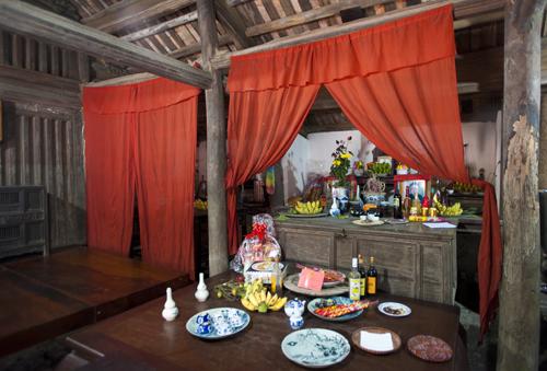 Nhà gỗ cổ Đường Lâm