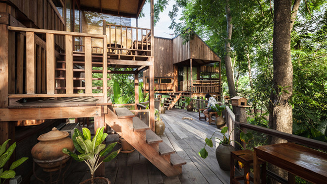 Gia đình người Thái Lan đã xây dựng dãy nhà ngay trong chính khu vườn mà họ đã tự tay trồng