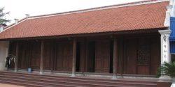 Mẫu nhà thờ tổ 5 gian được làm từ gỗ lim. Nhà thờ họ thường là công trình chuyên dụng để thờ tổ tiên, song cũng có một số nhà thờ họ kết hợp hai chức năng: vừa để thờ, vừa để ở.