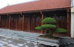 Thiết kế nhà thờ họ đẹp với kết cấu là khung gỗ, hình thức cơ bản giống nhà ở