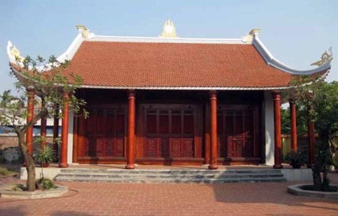 Nếu đúng theo truyền thống, nhà thờ họ thường được xây dựng tách riêng khỏi nhà ở, và có thể đặt trên khuôn viên mảnh đất của trưởng họ