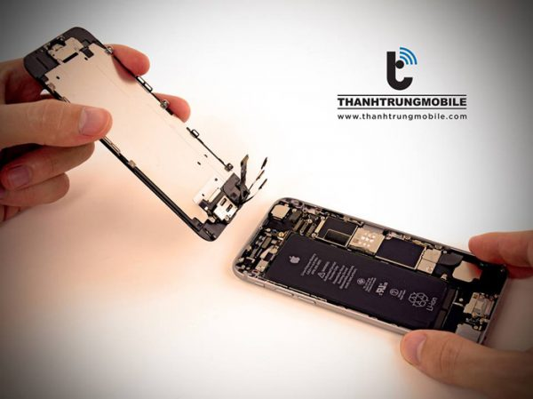 Lắp màn hình iPhone 5 vào máy
