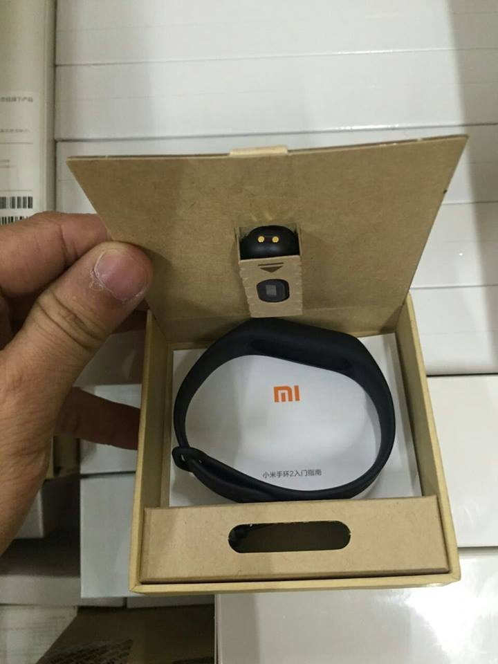 Xiaomi Mi Band 2 sẵn sàng có mặt tại Việt Nam, giá bán dao động 680.000 đồng ?