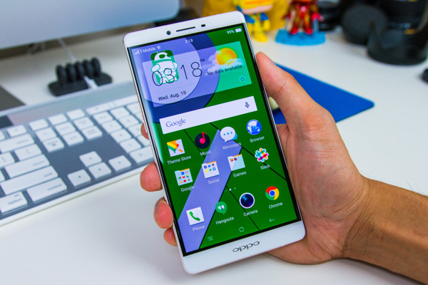 thay-mat-kinh-oppo-r7