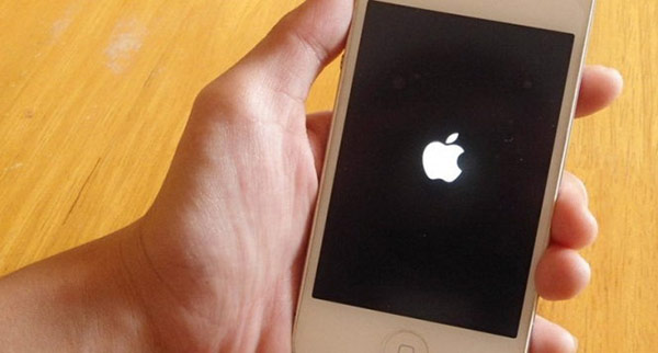 iphone-6-bi-treo-tao-1
