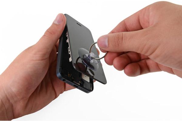 cach-khac-phuc-tinh-trang-iphone-5-mat-den-man-hinh-1