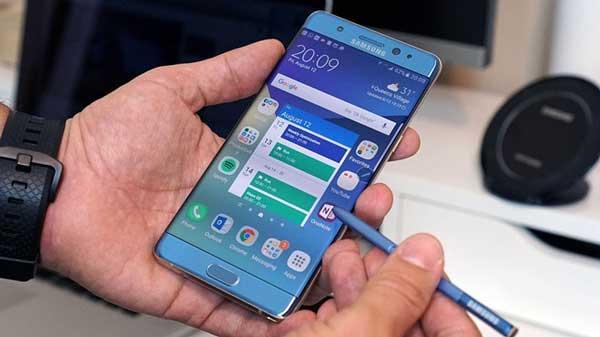 Thay pin Samsung Galaxy Note 7 3