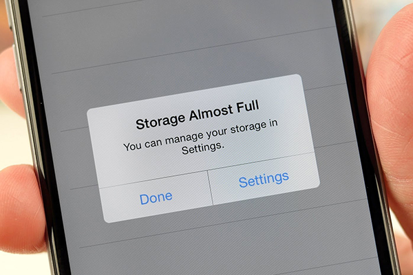 Giải phóng bộ nhớ iPhone