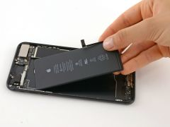 Hướng dẫn cách thay pin iPhone 7 Plus dễ dàng chỉ từ 15 phút
