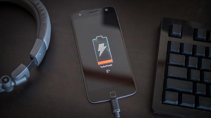 Những điều bạn cần lưu ý khi điện thoại sạc không vào pin