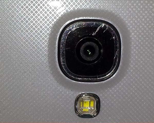 camera-dien-thoai-bi-mo-2