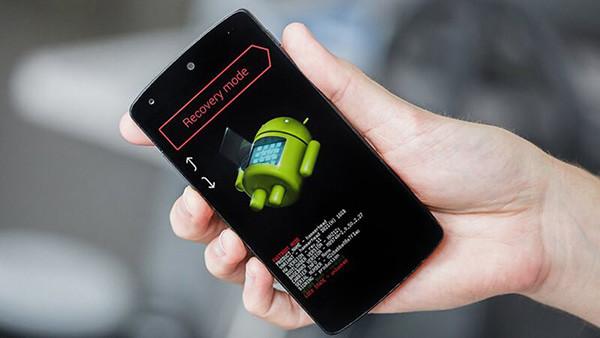 Điện thoại Samsung bị treo? Giải quyết ngay chỉ với cách sau