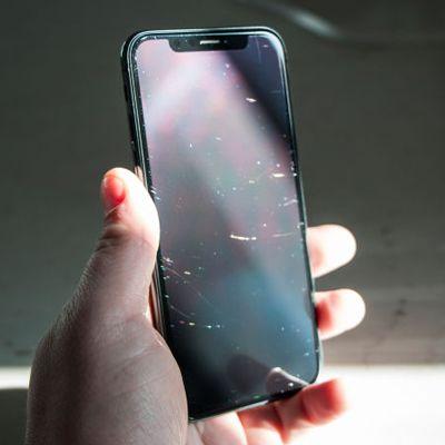 Đánh bóng mặt kính, kính lưng iPhone X, Xs, Xs Max, Xr