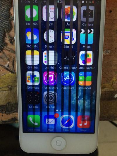 man-hinh-iphone-5-bi-soc-1
