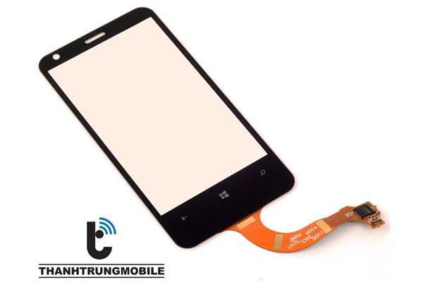 thay-mat-kinh-lumia-620-1