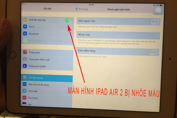 Sửa lỗi màn hình iPad Air 2 bị nhòe màu - Thành Trung Mobile