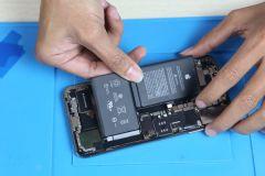 Hướng dẫn cách thay pin iPhone Xs Max đơn giản tại nhà
