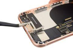 Cắm sạc iPhone không vào điện do lỗi gì?