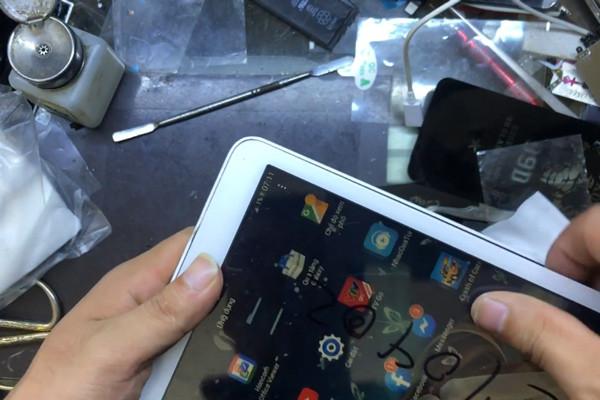 Cách thay màn hình máy tính bảng Samsung Galaxy Tab nhanh chóng, đơn giản nhất