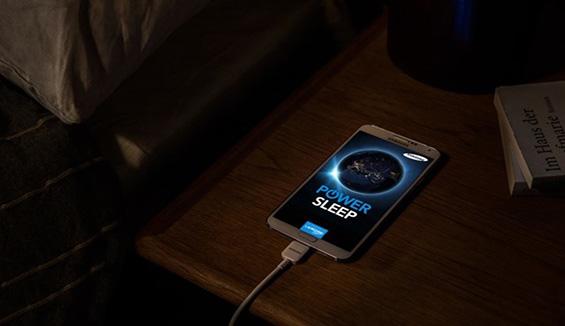 Thói quen sạc pin điện thoại qua đêm và tác hại mà nó mang tới