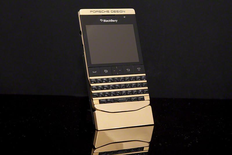 BlackBerry Porsche Design P'9981 Gold
