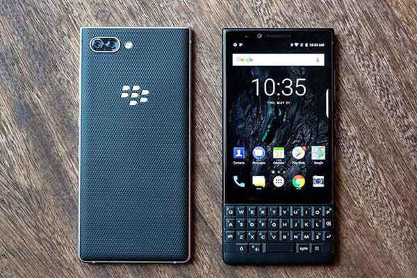 BlackBerry KEY2 LE ( likenew )