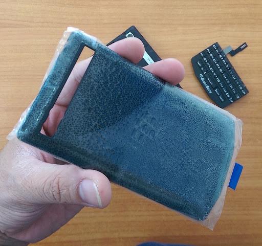 Nắp lưng blackberry 9983