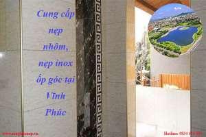 cung-cap-nep-nhom-nep-inox-op-goc-tai-vinh-phuc