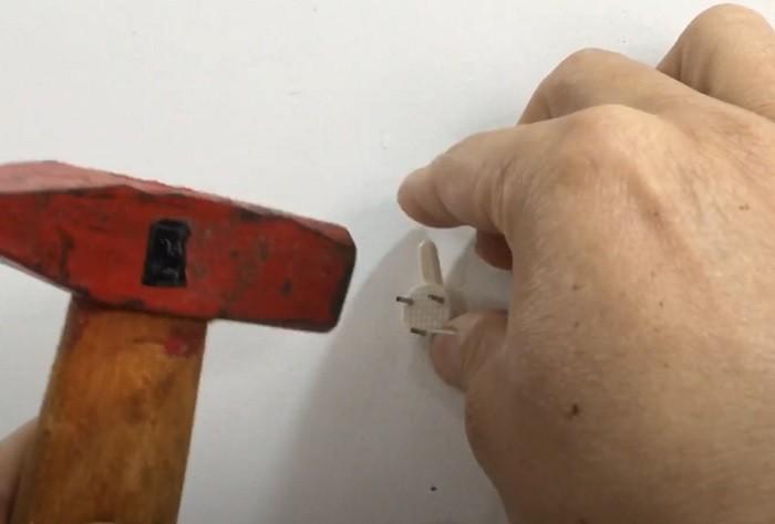 cách lắp đồng hồ dán tường