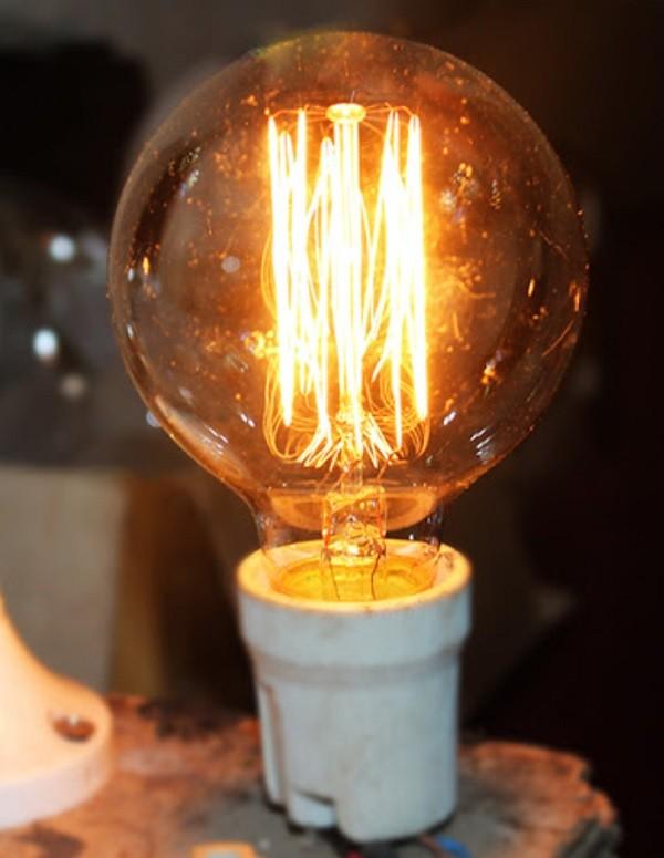 Nên mua đèn ánh sáng vàng hay trắng?