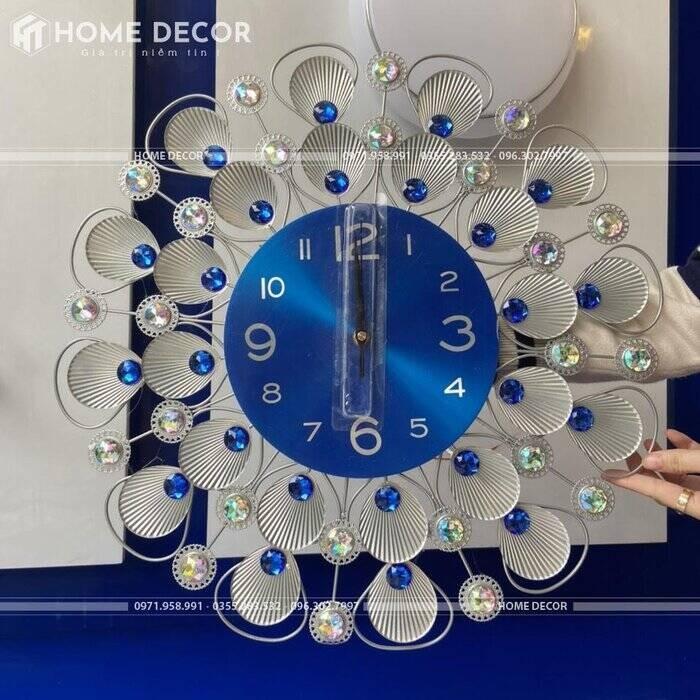 Đồng hồ đính đá pha lê hình con công