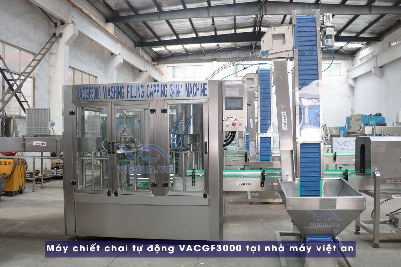 Máy chiết chai tự động VACGF3000 tại nhà máy việt an