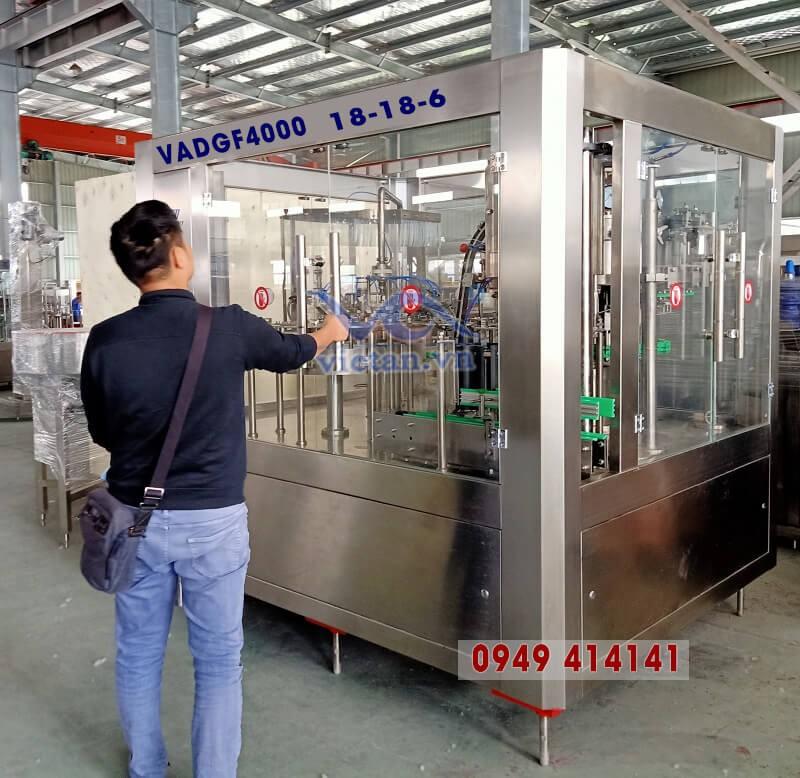 Máy chiết rót chai nước có ga VADGF4000-3 in 1